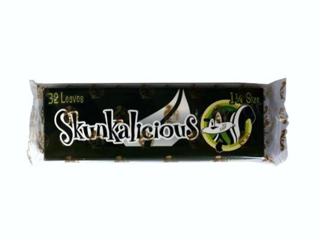 Αρωματικά χαρτάκια στριφτού Skunk Brand Skunkalicious 1 & 1/4