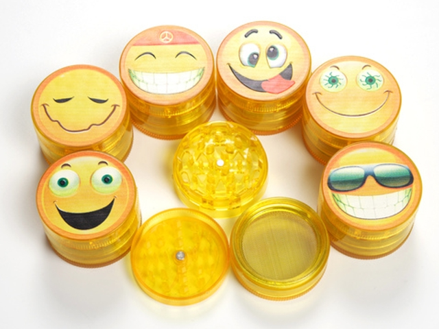 ������� ������ CONEY Grinder Smiley ø52m �� 4 �������� 0212432