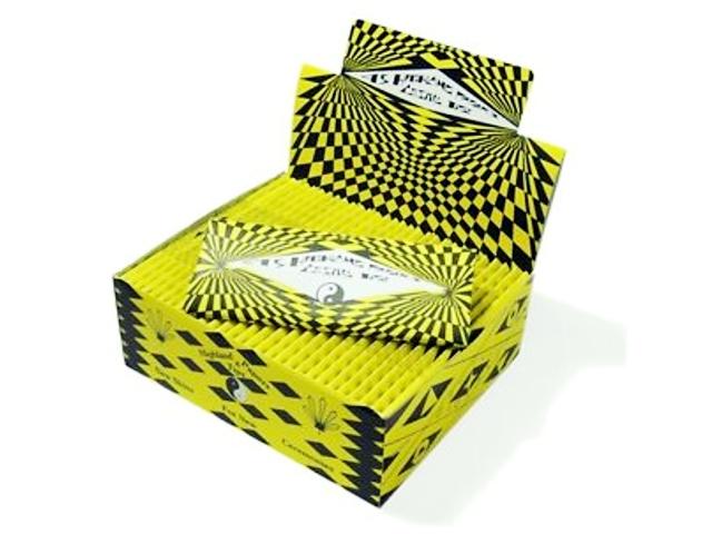 3452 - Κουτί με 50 χαρτάκια στριφτού Highland Cosmic Paper & Tips King Size με 45 τσιγαρόχαρτα και τζιβανες
