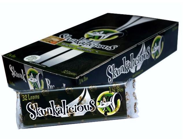 2749 - Κουτί με 32 αρωματικά χαρτάκια στριφτού Skunk Brand Skunkalicious 1&1/4