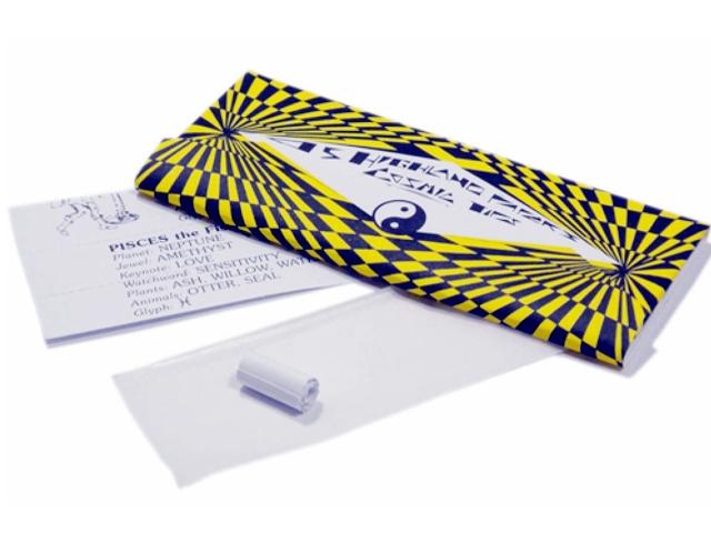 3451 - Χαρτάκια στριφτού Highland Cosmic Paper & Tips King Size με 45 τσιγαρόχαρτα και τζιβανες